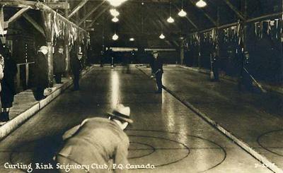 Aréna de curling / Curling rink, Seignory Club