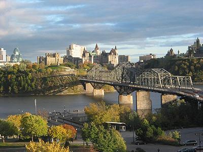 Ottawa et pont, de Hull / Ottawa and bridge, from Hull