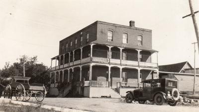 L'hôtel Commercial Hotel, v.1920s