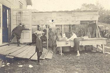 Cuisine de camp, Foire d'Aylmer / Camp kitchen, Aylmer Fairgrounds (1921)