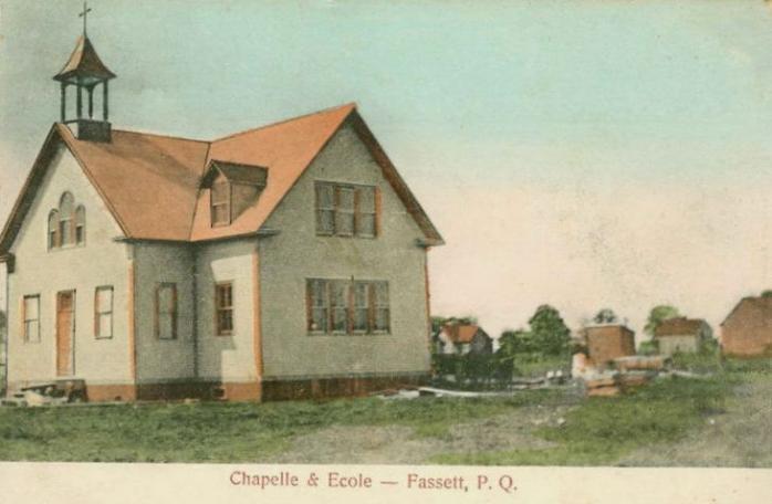 Chapelle et école / Chapel and school