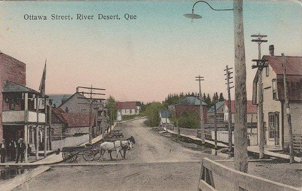 Maniwaki -- Rue Ottawa, vers 1910 / Ottawa Street, c.1910