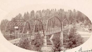 Pont sur la rivière Gatineau / Bridge over the Gatineau River