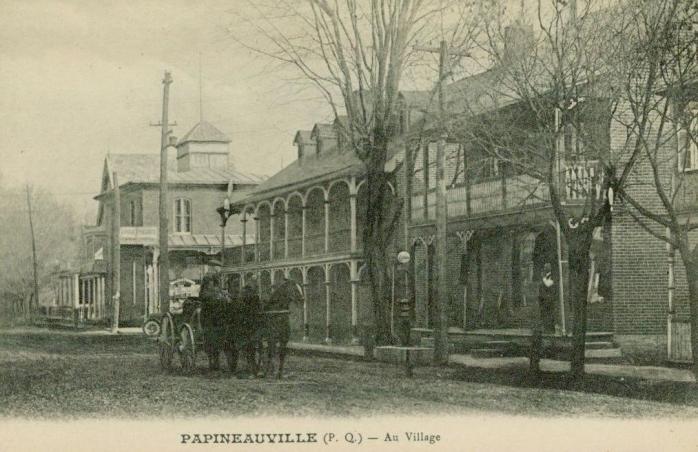 Papineauville -- Au Village