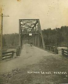 Pont Mackey, rivière des Outaouais / Mackey Bridge, Ottawa River